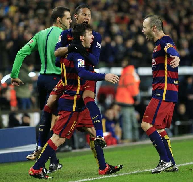 Lionel Messi, Neymar og Andres Iniesta, leikmenn Barcelona, eru allir ...