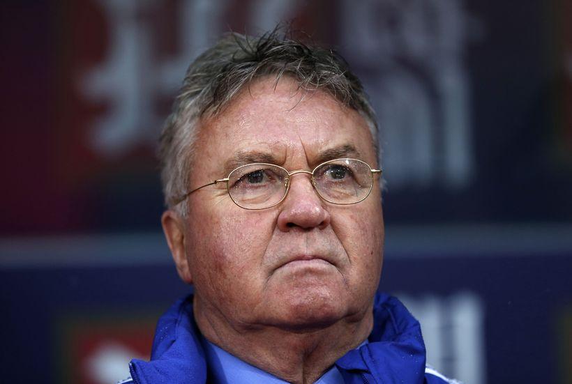 Guus Hiddink, knattspyrnustjóri Chelsea, mun ekki halda áfram í starfi ...