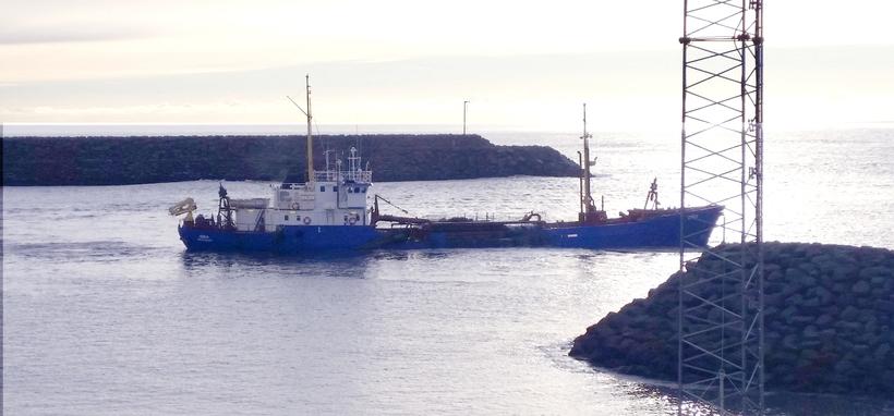 Dýpkunarskipið Dísa í Landeyjahöfn í október sl.