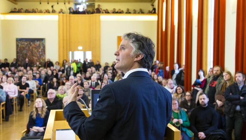Magnús Þorkell Bernharðsson prófessor í Mið-Austurlandafræði við Williams College.