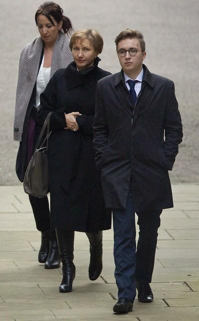 Marina Litvinenkó, Anatolí Litvinenkó sjást hér koma í dómsmálaráðuneytið í ...