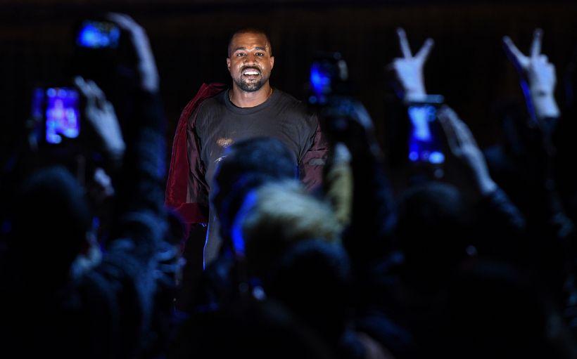 Kanye West þykir hafa sýnt af sér undarlega hegðun upp ...