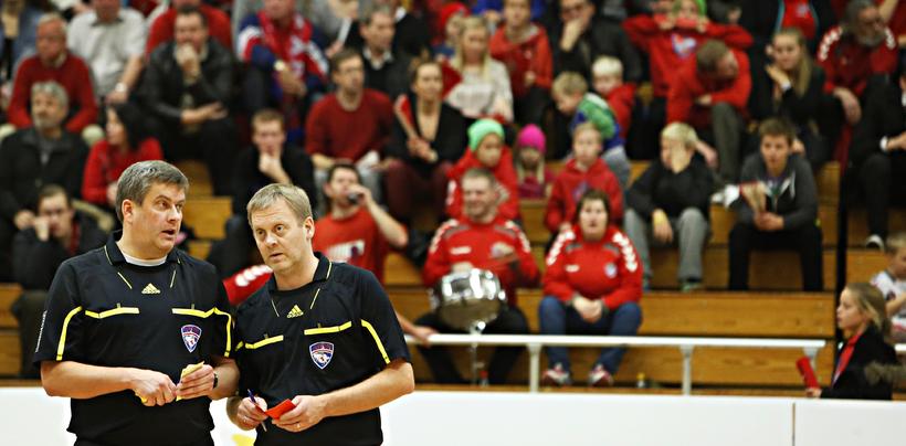 Dómararnir Gísli H. Jóhannsson og Hafsteinn Ingibergsson.