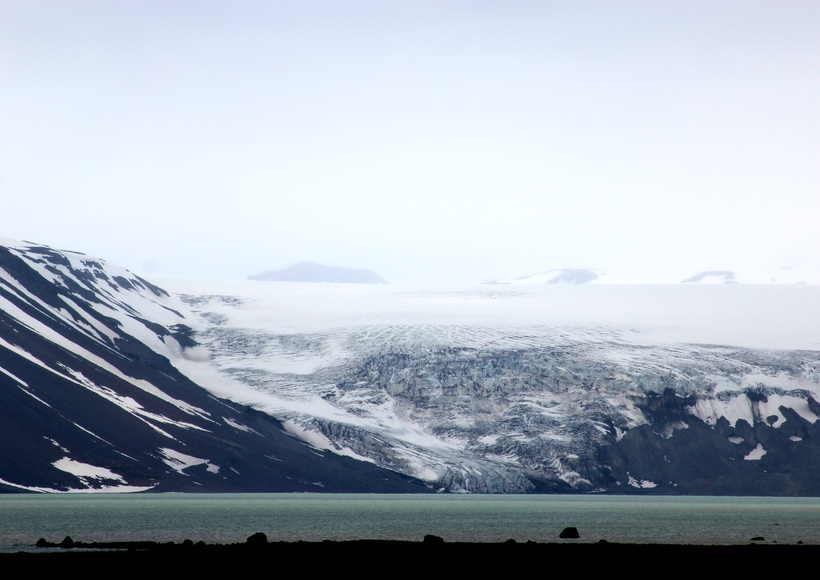 Kjölur in the central highlands - Langjökull glacier reaching into ...