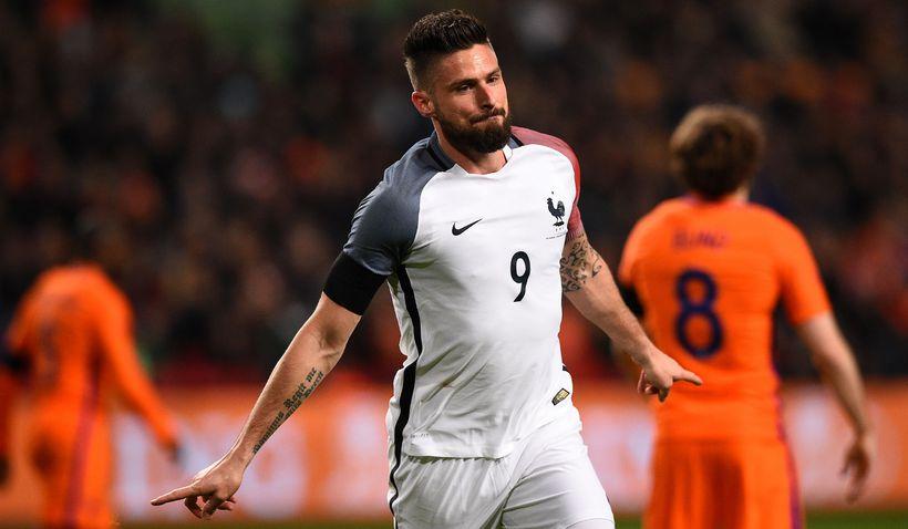 Olivier Giroud fagnar marki sínu fyrir Frakka gegn Hollandi á ...