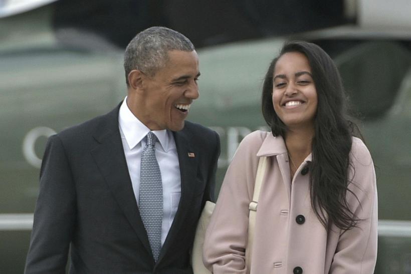 Malia Obama með föður sínum.