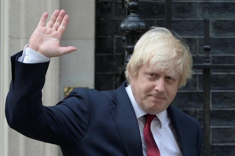 Boris Johnson fyrir utan Downing-stræti nú í kvöld.