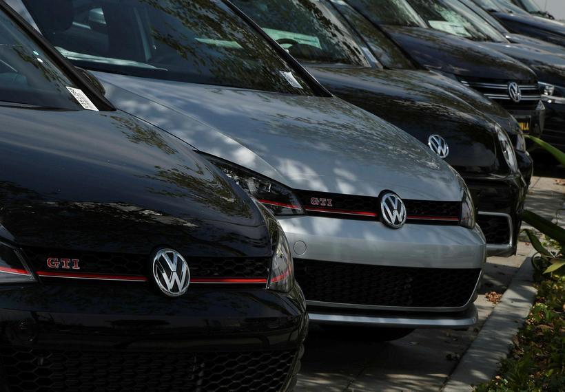Bílaframleiðandinn Volkswagen varð uppvís að útblásturssvindli í fyrra. Í kjölfarið ...