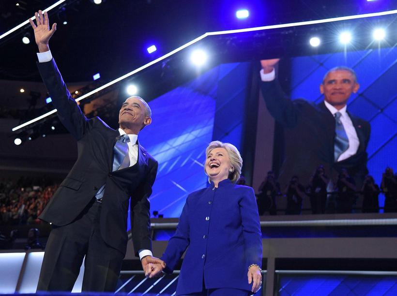Barack Obama, Bandaríkjaforseti og Hillary Clinton, forsetaframbjóðandi Demókrata, á landsþingi ...