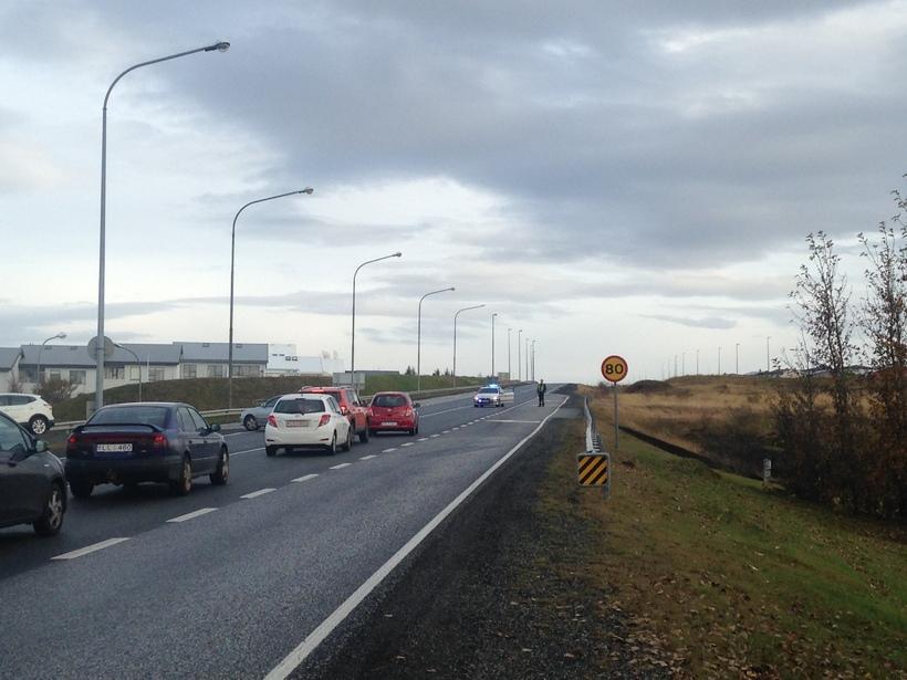 Reykjanesbraut. Bæjarstjórn Hafnarfjarðar er ósátt við að framkvæmdir við Reykjanesbraut ...