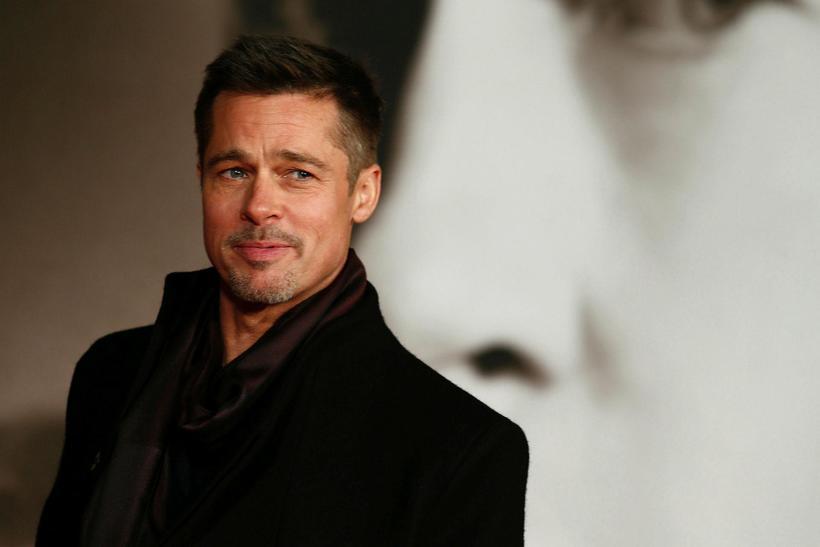 Brad Pitt virðist enn vera einhleypur.