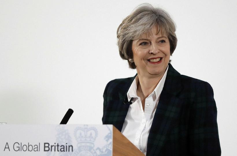 Theresa May, forsætisráðherra Bretlands, í dag við flutning ræðunnar.