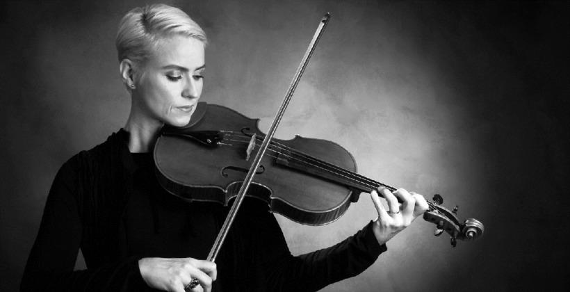 Principal violist, Þórunn Ósk Marinósdóttir,at the ISO.