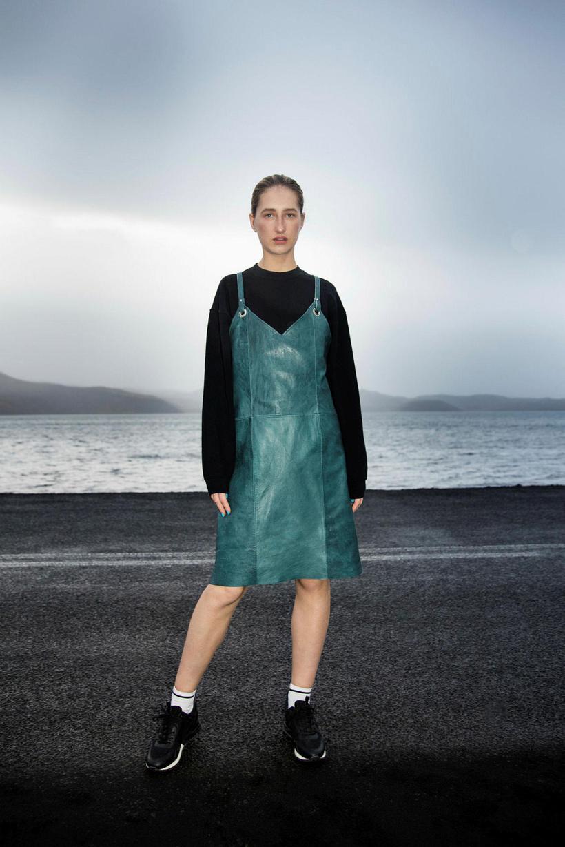 Elísabetu fannst strax blasa við að þær hönnuðu fatnað og ...