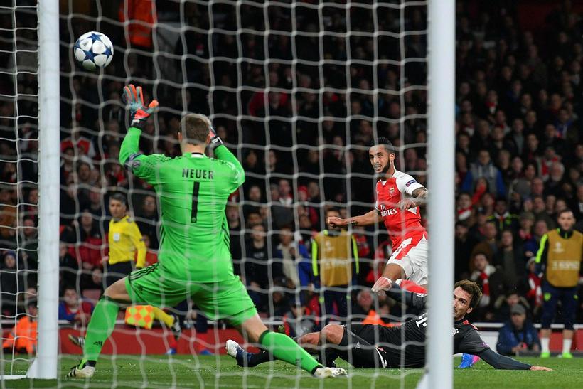 Theo Walcott kom Arsenal yfir í kvöld.