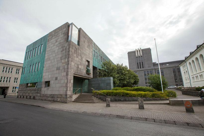 Hæstiréttur staðfesti úrskurð Héraðsdóms Reykjavíkur.