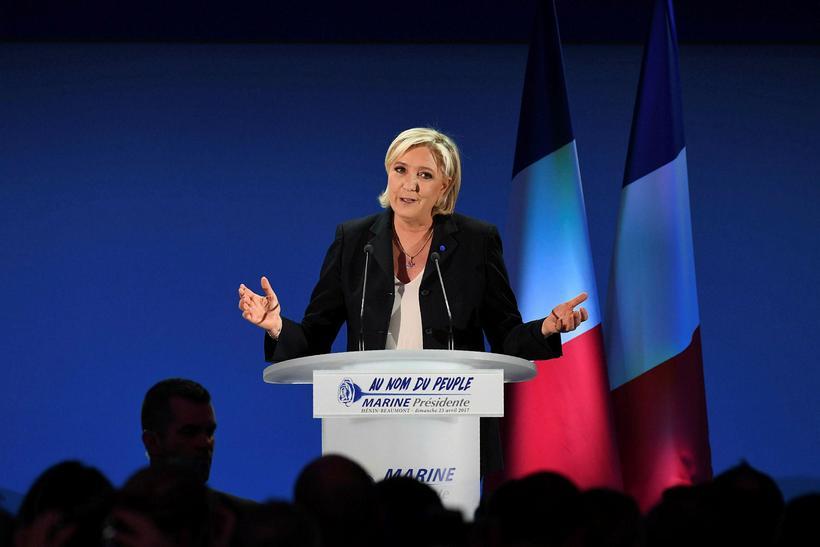 Le Pen ávarpaði einnig sína stuðningsmenn og sagði að sigur ...