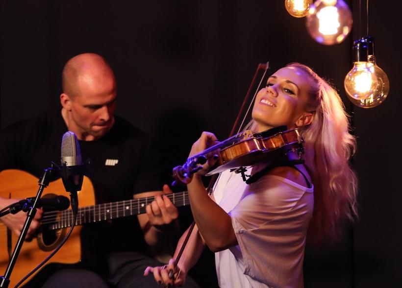 Greta Salóme spilaði í K100 Live Lounge.