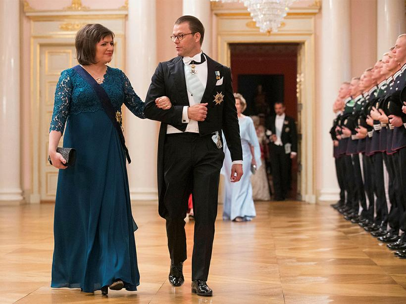 Prince Daniel of Sweden escorting Iceland's First Lady Eliza Reid ...