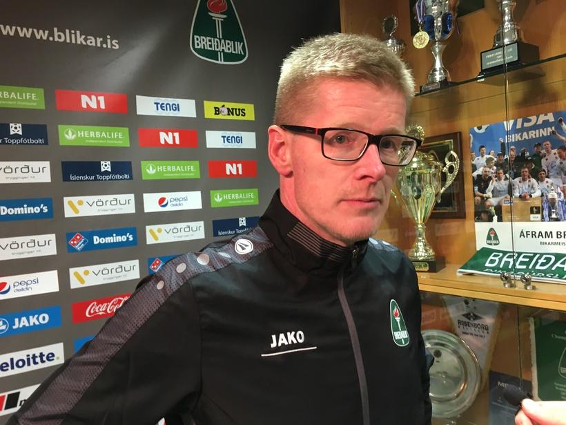 Sigurður Víðisson ræðir við fjölmiðla eftir tapið gegn Stjörnunni í ...