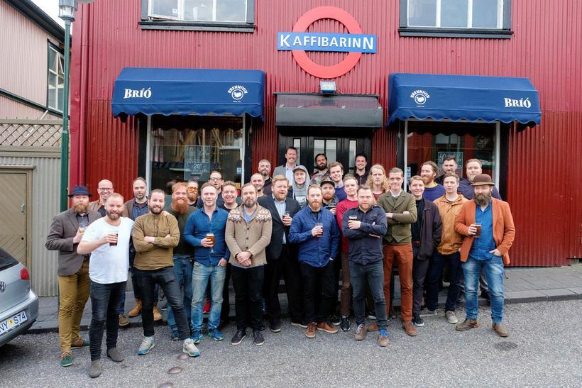 Kórinn hóf göngu sína á Kaffibarnum og hefur notið vinsælda ...