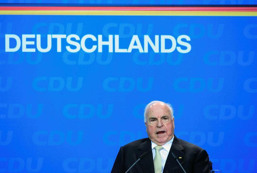 Helmut Kohl árið 2010.