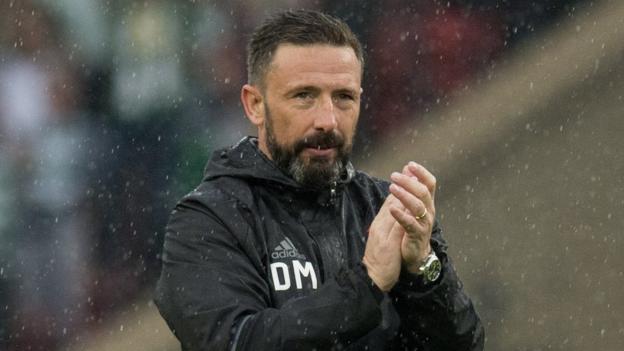 McInnes verður áfram hjá Aberdeen.