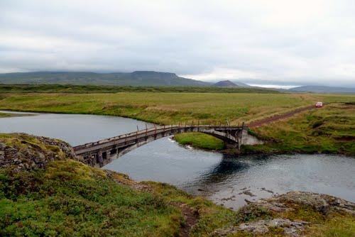 Gamla brúin yfir Haffjarðará er þekktur veiðistaður.