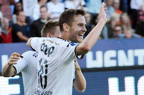 Matthías Vilhjálmsson fagnar marki sínu fyrir Rosenborg.