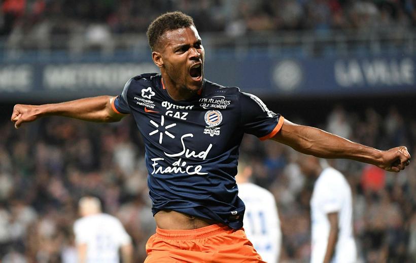 Steve Mounié, landsliðsframherji Benín, er kominn til Huddersfield frá Montpellier ...