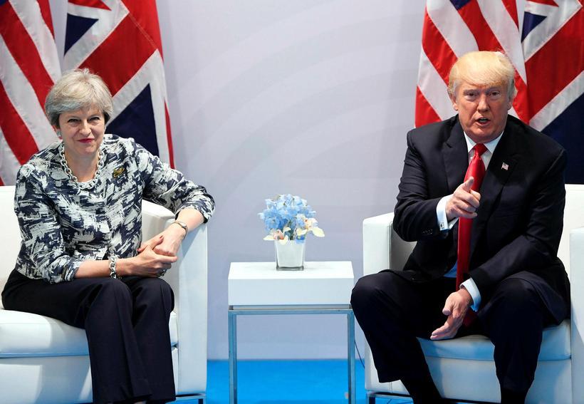 Theresa May ásamt Donald Trump á sameiginlegum blaðamannafundi þeirra í ...