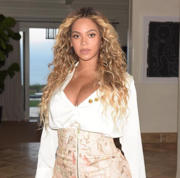 Beyoncé eignaðist tvíbura í júní.