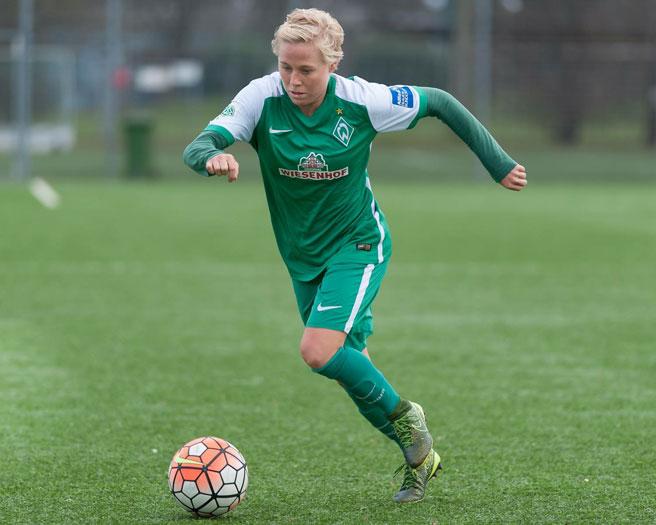 Betsy Hassett, landsliðskona Nýja-Sjálands, er komin til KR frá Ajax ...