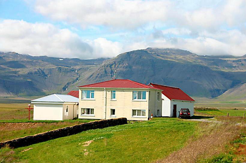 Enginn hefur búið í prestsbústaðnum í eitt og hálft ár.