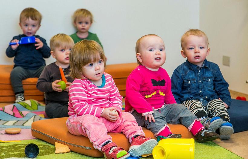 Stefna Reykjavíkurborgar er að gera foreldrum kleift að velja um ...
