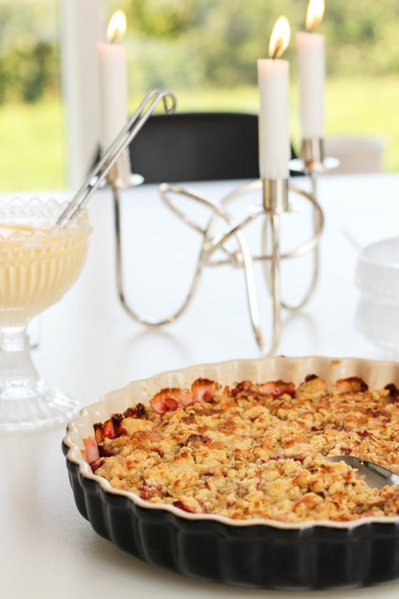 Volg rabbabarabaka með ís og vanilsósu er hin fullkomni sunnudagur.