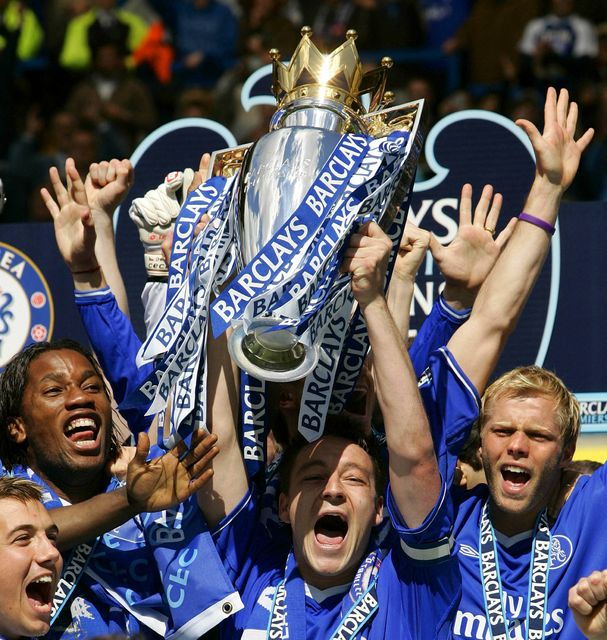 Didier Drogba, John Terry og Eiður Smári fagna Englandsmeistaratitli Chelsea ...