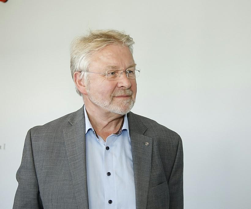 Sveinn Magnússon læknir.