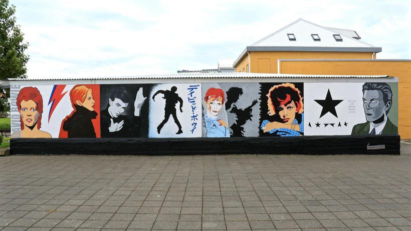 Bowie-veggurinn Björn gerir nokkrum tímabilum í lífi Davids Bowies skil ...