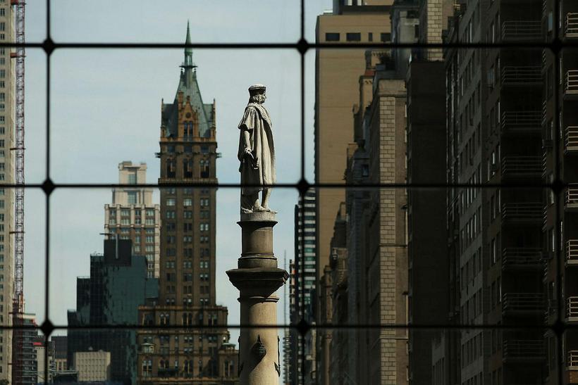 Styttan af landkönnuðinum Kristófer Kólumbusi á Columbus Circle í New ...