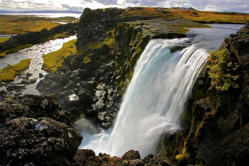 Við Öxarárfoss. Með nýrri stefnumótun verða innviðir efldir.