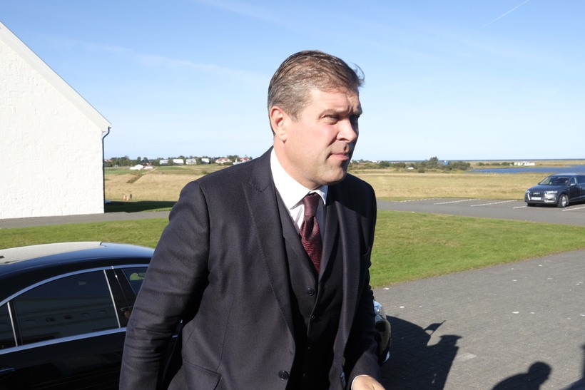 Iceland PM calls snap vote as paedophile furor crashes coalition