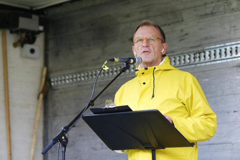 Hörður Torfason var fundarstjóri á útifundinum á Austurvelli í dag.