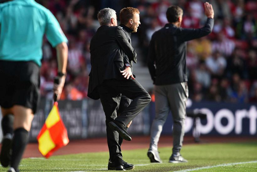 Jose Mourinho á hliðarlínunni í gær.