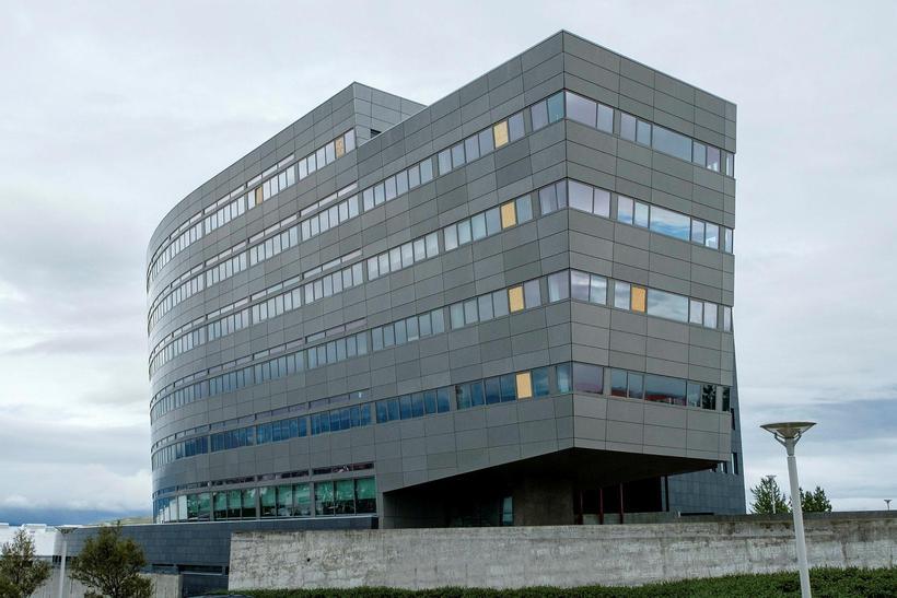 Vesturbygging Orkuveituhússins við Bæjarháls er ónothæf.