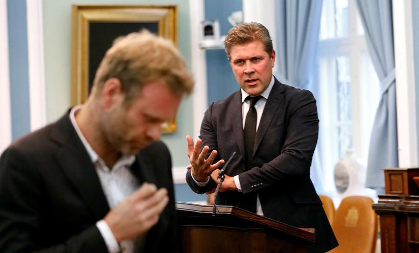 Kolbeinn Óttarsson Proppé og Bjarni Benediktsson á Alþingi fyrr í ...