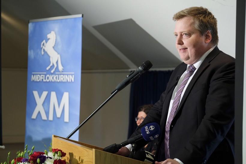 Sigmundur Davíð Gunnlaugsson ávarpar stofnfund Miðflokksins.