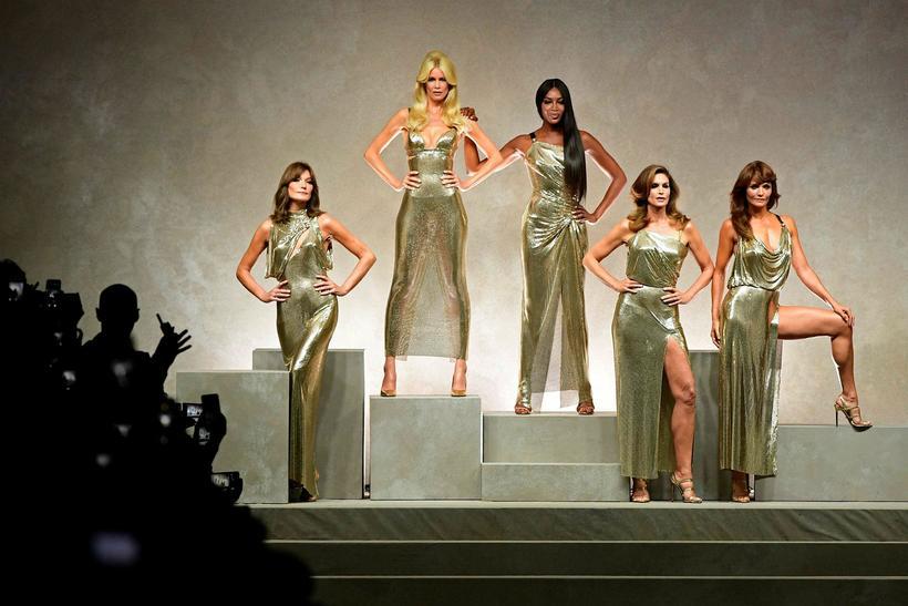 Carla Bruni, Claudia Schiffer, Naomi Campbell, Cindy Crawford og Helena ...