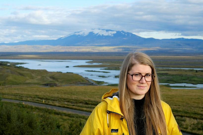 Náttúrufræðingurinn Anna Sigríður Valdimarsdóttir skammt frá þeim stað í Þjórsá ...