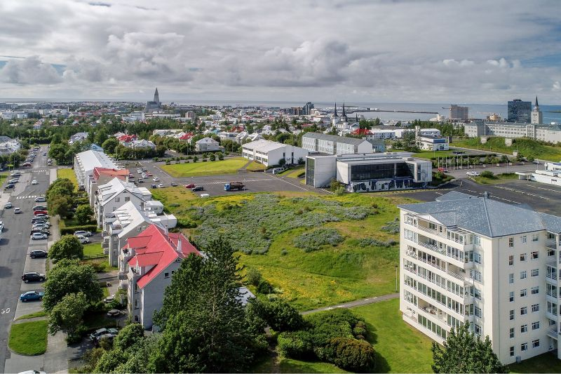 Lóðin við Stakkahlíð.
